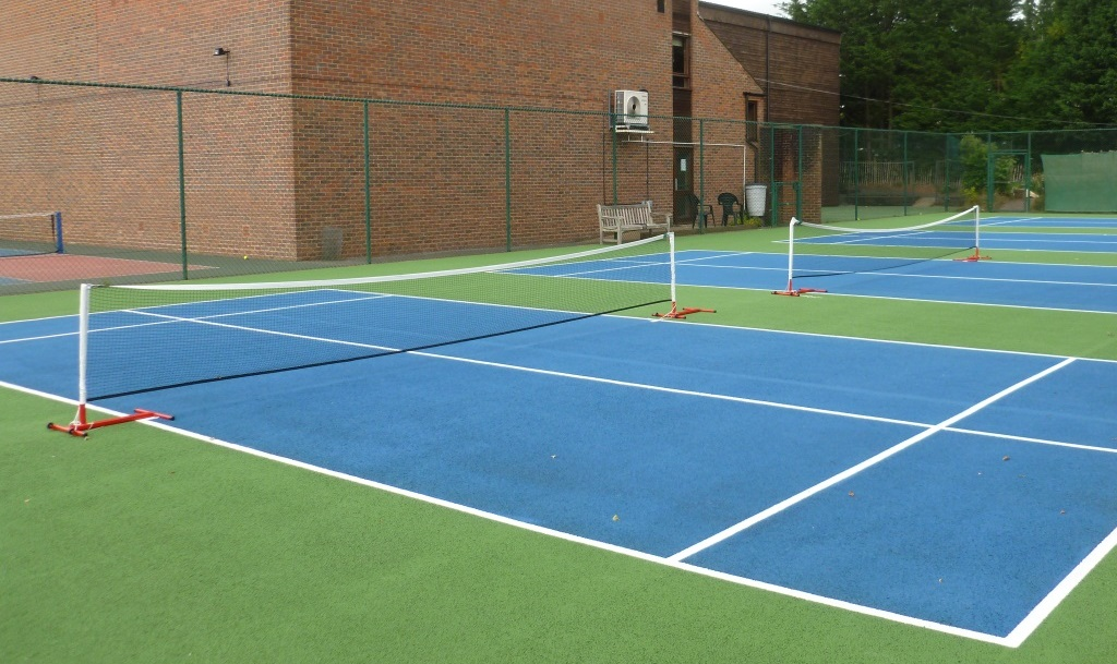 mini tennis courts